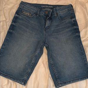 Cabin Klein knee-length Bermuda shorts